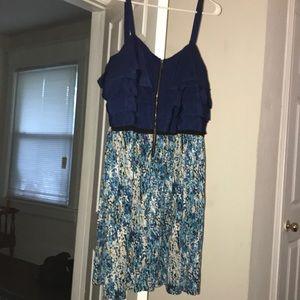Beautiful ruffled top 2X Elle zipper dress